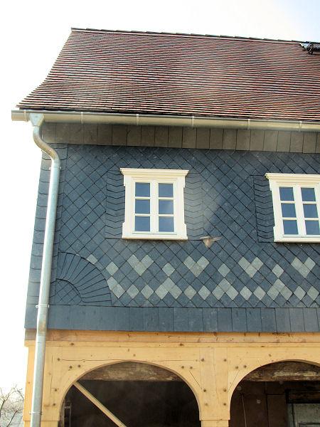 dachdecker aus ebersbach bei l bau schieferdeckung ziegeldeckung wandbekleidung aus schiefer. Black Bedroom Furniture Sets. Home Design Ideas